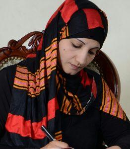 الكاتبة والقاصة اليمنية فكرية شحرة