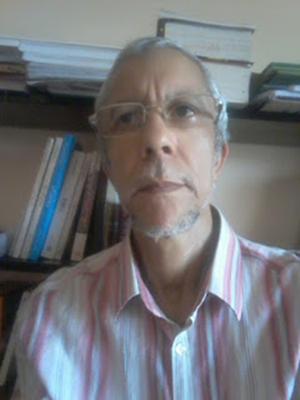 الكاتب مصطفى الزويتي