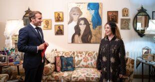 الرئيس الفرنسي في منزل السيدة فيروز